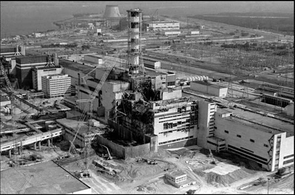 Резултат с изображение за в САЩ влиза в експлоатация първата АЕЦ.